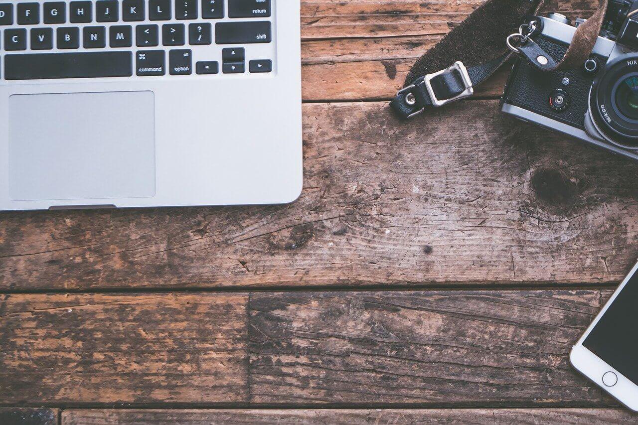 Copywriter freelancer? A może agencja copywriterska? Dowiedz się, kto będzie dla Ciebie pomocniejszy!